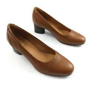 Clarks Unstructured LIKE NEW Pumps Size 9.5 Medium